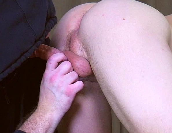 content/190627103-dustins-first-gay-blowjob/3.jpg